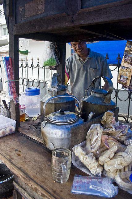 Kopi cart on Jl Malioboro - Gelas Kopi Indonesia - Indonesian Coffee Cup
