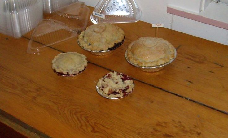 Located in picturesque Door County, Wisconsin, on the bluffs above the village of Fish Creek, Sweetie Pies offers a scrumptious selection of handmade pies. Our customers say nobody makes them better, except maybe Grandma!