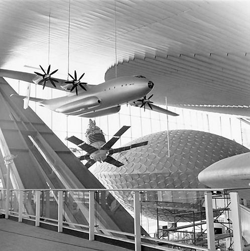 The Soviet pavilion at #Expo67 was created by architects M. Posokhin, A. Mndoyants, B. Tkhor, engineer A. Kondratiev, and chief artist R. Kliks. This building is now an exhibition facility of the Moscow Center for Scientific and Technical Advances Implementation (Moskva), a state-owned enterprise. The building is in bad condition. (http://architectuul.com/)
