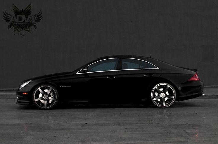 black mercedes benz cls550