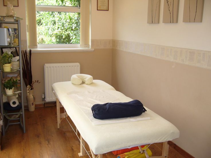 Simple massage room ideas pinterest small homes massage and home - Decoratie spa ...
