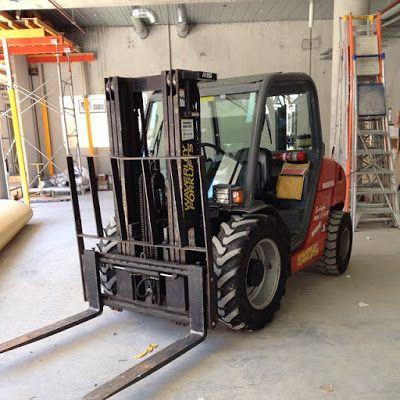 Kumkapı Kiralık Forklift Kiralama 0535 793 81 22 Kumkapı Forklift Kiralama firmamız, dileyen müşterilerine forkliftleri kiralama esnasında sertifikalı personel ihtiyacını da başarılı bir şekilde temin etmektedir. Çünkü bildiğiniz gibi forkliftlerin kullanımı için kişilerin iş güvenliğini sarsmayacaklarını garanti eden birtakım belgelere sahip olması gerekir. Her firmanın hem forkliftleri satın almak suretiyle barındırması, hem de bunu kullandıracak kişileri barındırması ekstradan maddi…