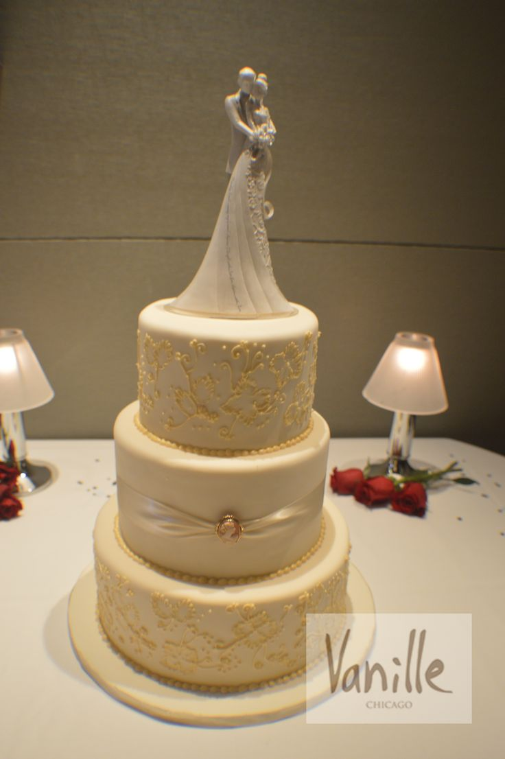 user vanille chicago ari s wedding wedding cakes chicago wedding pin 2