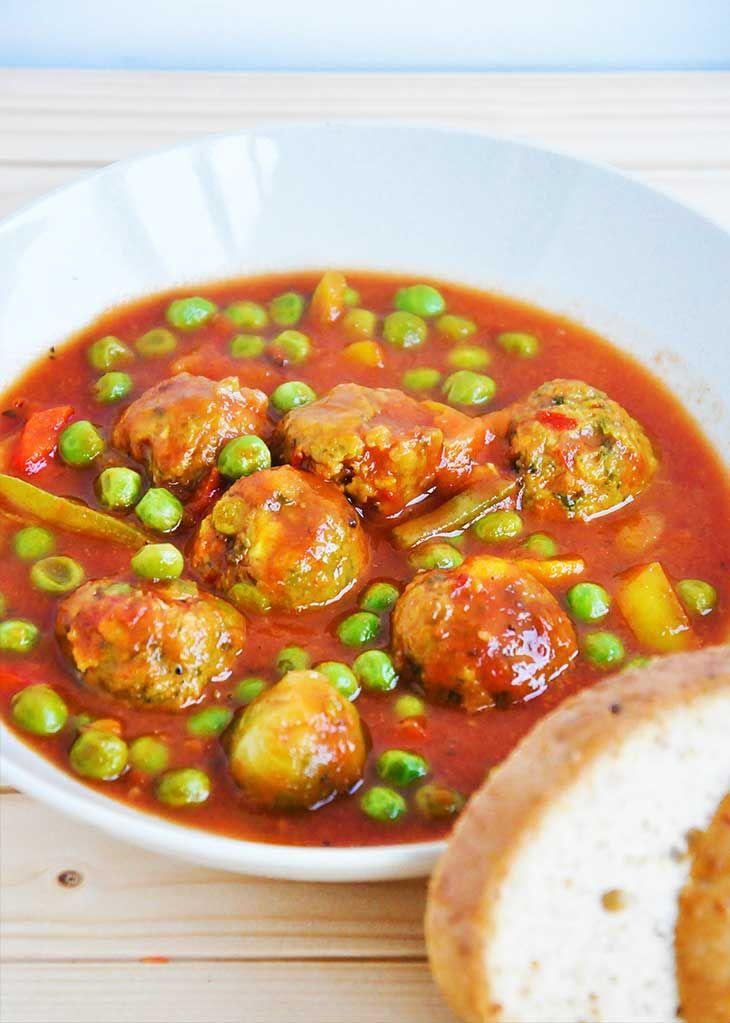 vegan meatball-Stew-mancare-de-mazare-cu-chiftelute-vegetale