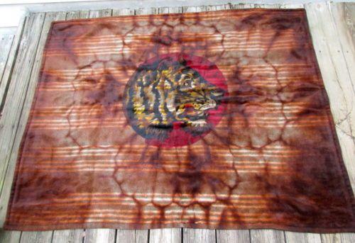 Vtg-Horsehair-Blanket-Buggy-Sleigh-Blanket-Glass-Eye-Tiger-Blanket-CHASE-47-X-61