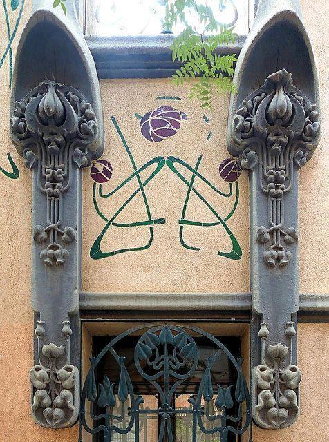 nouveau-deco:  Casa Joan Vilagut, 1904 / Bonaventura Conill i Montobbio