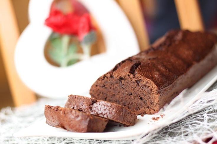 Aujourd'hui mercredi.. et si vous prépariez un délicieux gâteau au chocolat pour vos enfants ? suis certaine que l'idée va leur plaire... ;) Le mariage chocolat / fleur de sel... je vous en avais déjà...