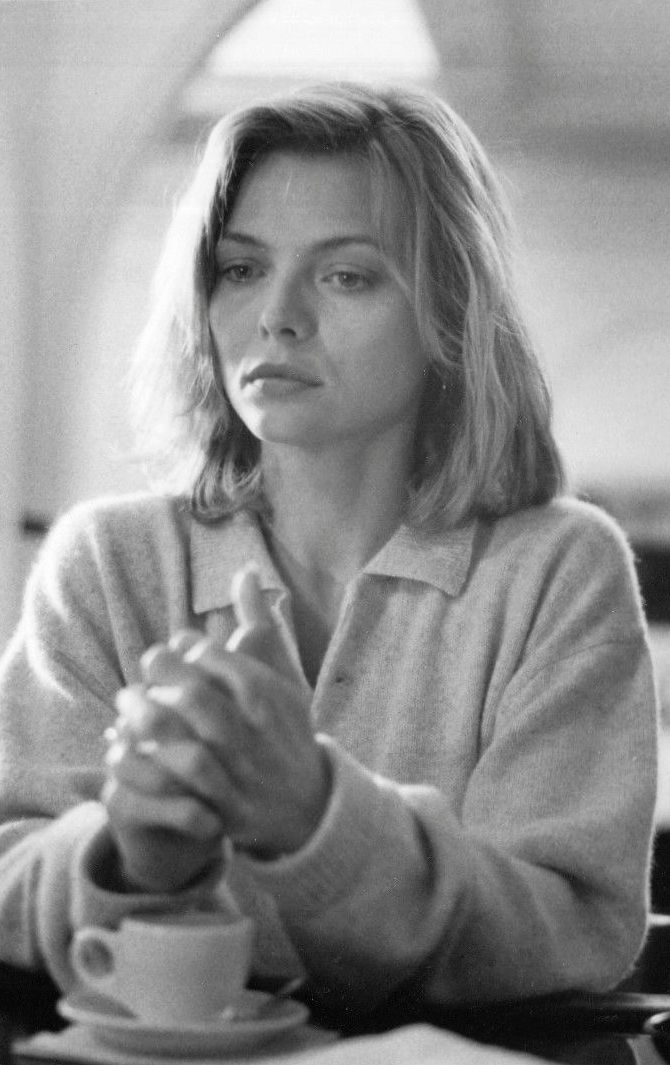 Michelle Pfeiffer in the movie Tequila Sunrise.