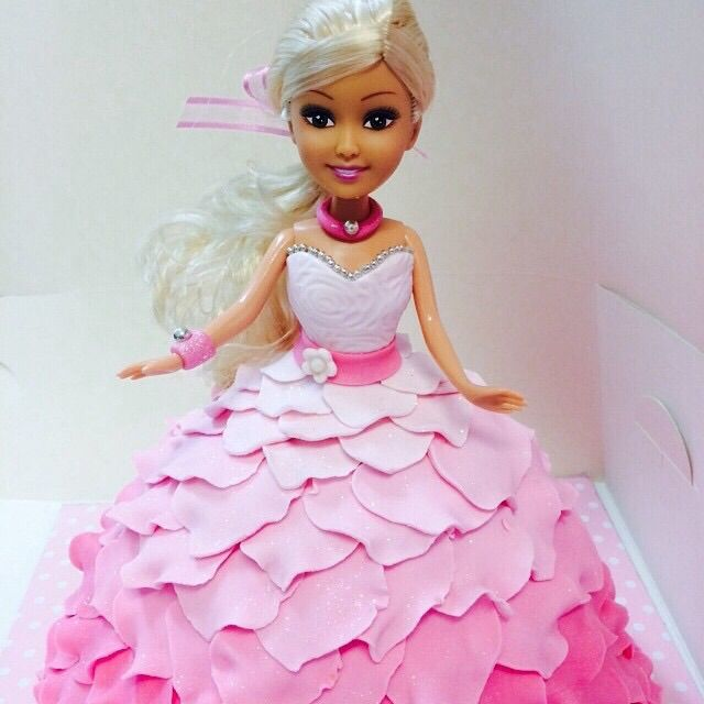 Doll cake by SweetiePie Cupcakes. Auckland. New Zealand