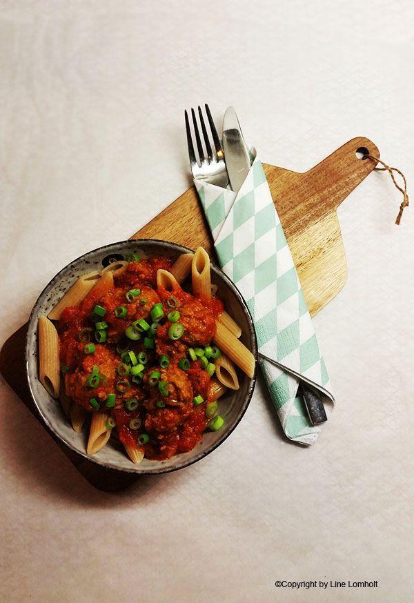 Kødboller i spicy tomatsauce1