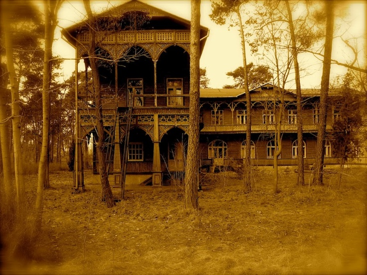 Villa Gorewicza in Otwock (Poland) . Biggest wooden house in Europe