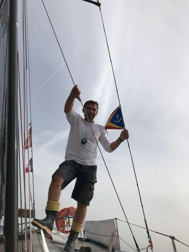 Skiperul Dorel Nacou, in varsta de 45 de ani, legitimat la sectia de yachting a Clubului Nautic Roman, din Constanta, va lua startul miercuri 1 noiembrie, din Portul Las Palmas de Gran Canaria, in Regata ...