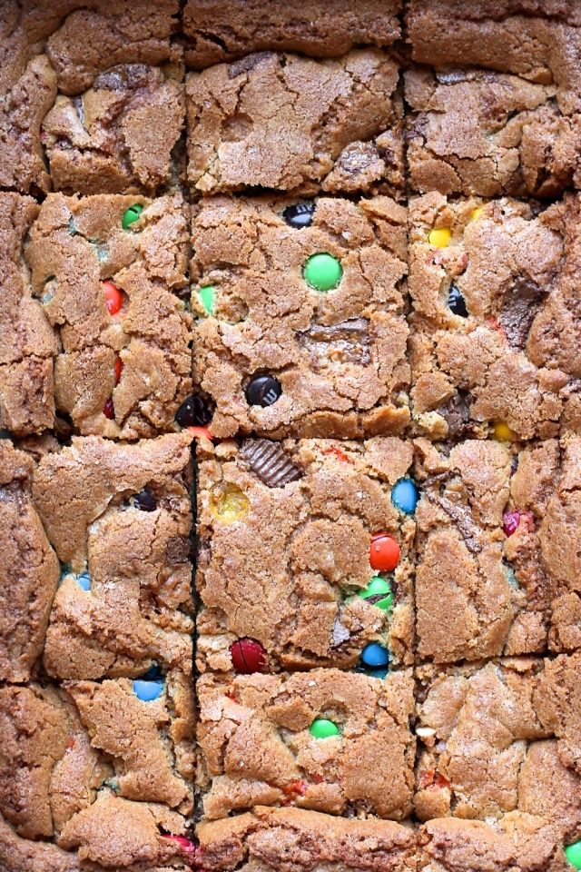 Candy Bar Cookie Bars (7)