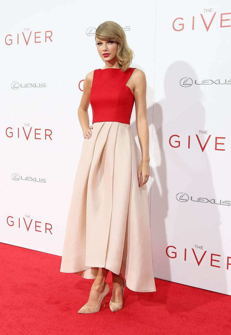 17 Best Images About Taylor Swift 39 S Best Looks On Pinterest Skirts Twists And Pink Sweater