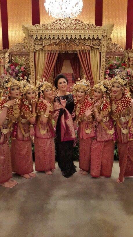 Seru2an bersama penari Sukainah Sriwijaya