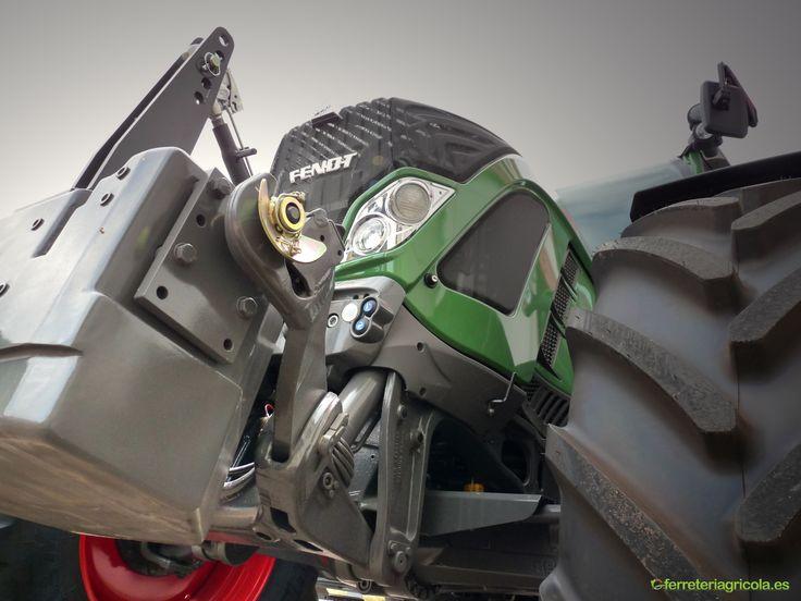 Tractor Fendt 718 3