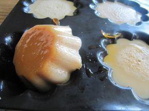 Flamby  Maison Ingédients pour 6 briochettes:     1/2 l de lait entier  1 cc de sucre vanillé (fait maison pour moi)  3 CAS de sucre  2 gr d'agar agar  du caramel liquide     Mélanger le lait, le sucre, et l'agar agar au fouet, puis porter à frémissement et laisser cuire 3 mn.  Verser du caramel liquide dans le fond des moules (12 briochettes Flexipan pour moi) et remplir avec le mélange chaud.  Laisser refroidir et mettre au frigo avant de déguster !!
