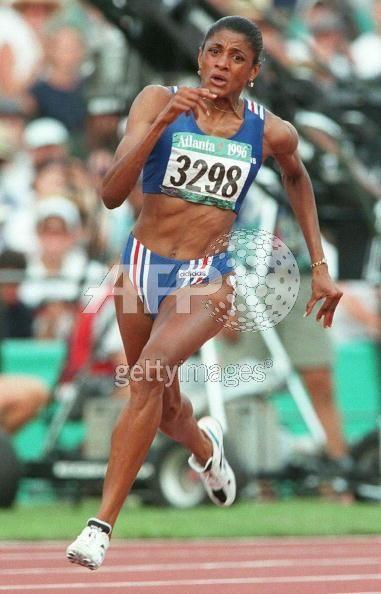 Marie-José Pérec | Marie-José Perec - Demi-fondu74, l'athlétisme vu par deux ...OS guld på 400 meter 1992 i Barcelona och guld på 200 och 400 meter i Atlanta 1996.
