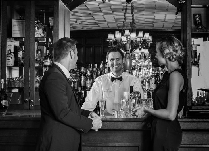 Alkudrinkit baarissa - Apéritifs in the bar #vanajanlinna #romantic #aperitifs #bar