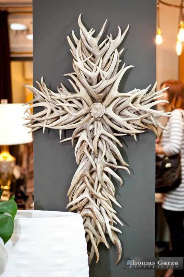 10 ideas about deer horns decor on pinterest deer decor for Antler decoration ideas