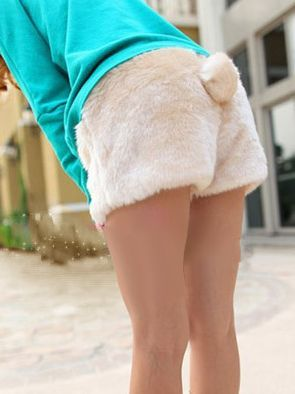 aww so cute shorts!!! i want those for winter <3