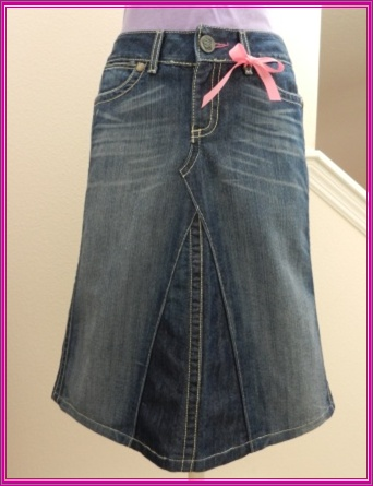 You can make one too!     Upcycled Jean Skirt (704) Finished Product     This is a great way to reuse some of your old jeans!    Easy tutorial found here: http://www.maggieelizabethdesigns.com/products.html