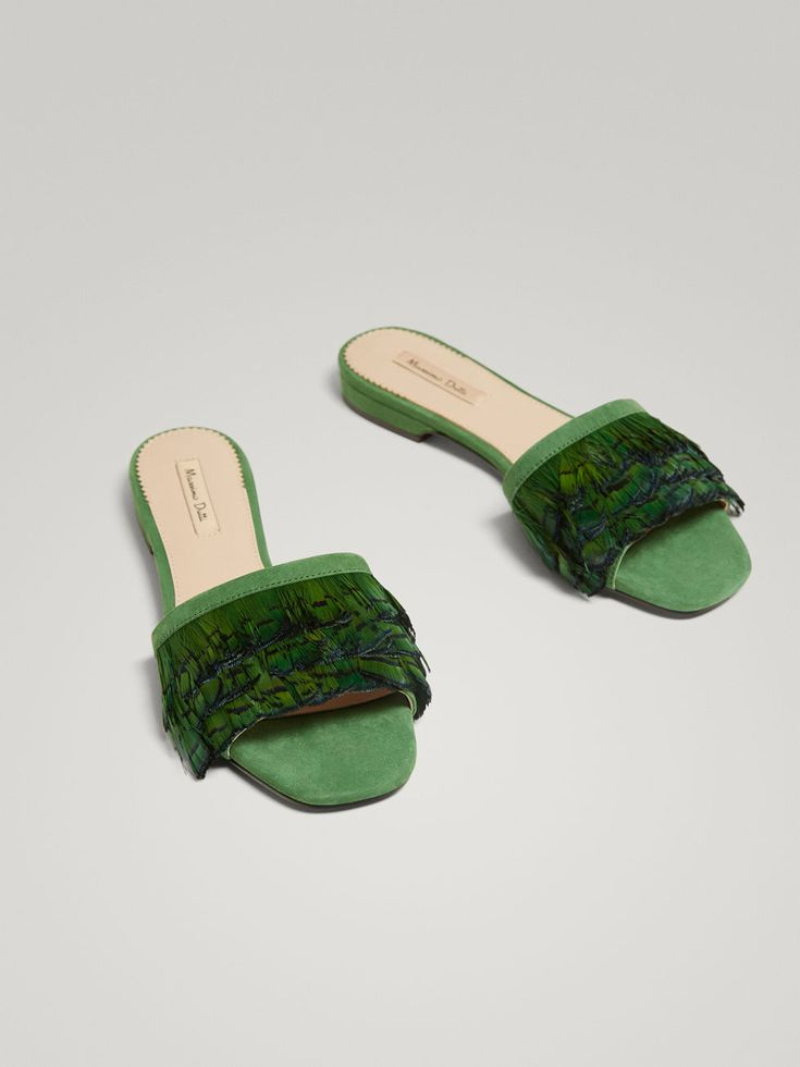 SANDALIA PIEL PLUMA VERDE de MUJER - Zapatos - Ver todo/ desde Talla 35 de Massimo Dutti de Otoño Invierno 2017 por 69.95. ¡Elegancia natural!