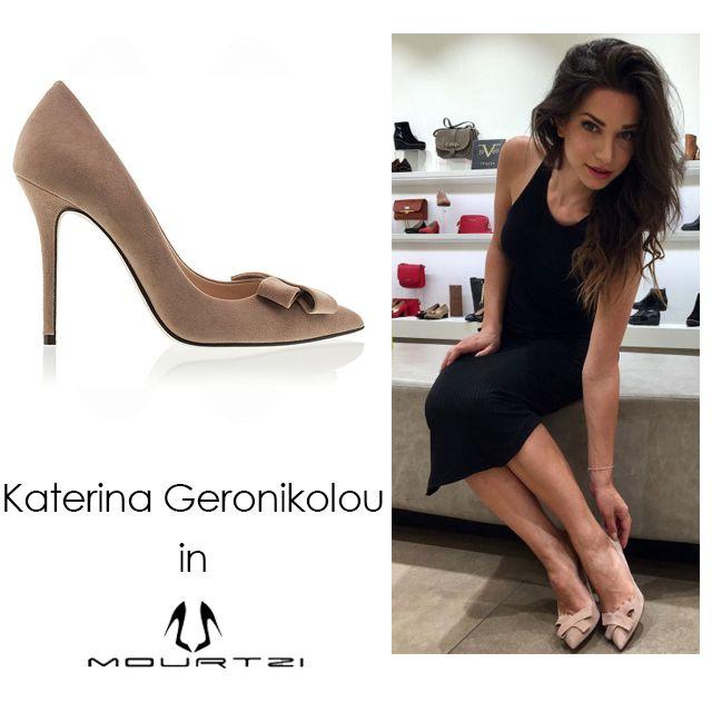 ΚΑΤΕΡΙΝΑ ΓΕΡΟΝΙΚΟΛΟΥ Katerina Geronikolou in Mourtzi shoes #mourtzi #pumps #nudes #katerinageronikolou #shoes
