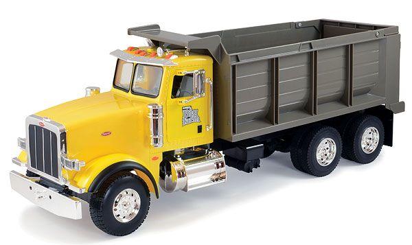 46209 - ERTL Peterbilt 367 Dump Truck Big Farm