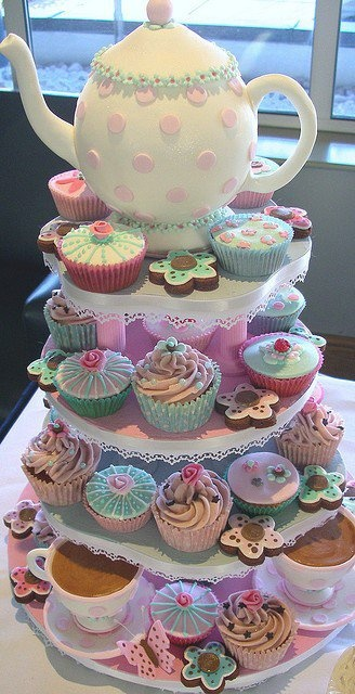 Thinking about having a princess birthday party this year. This cake would be perfect served with tea!!