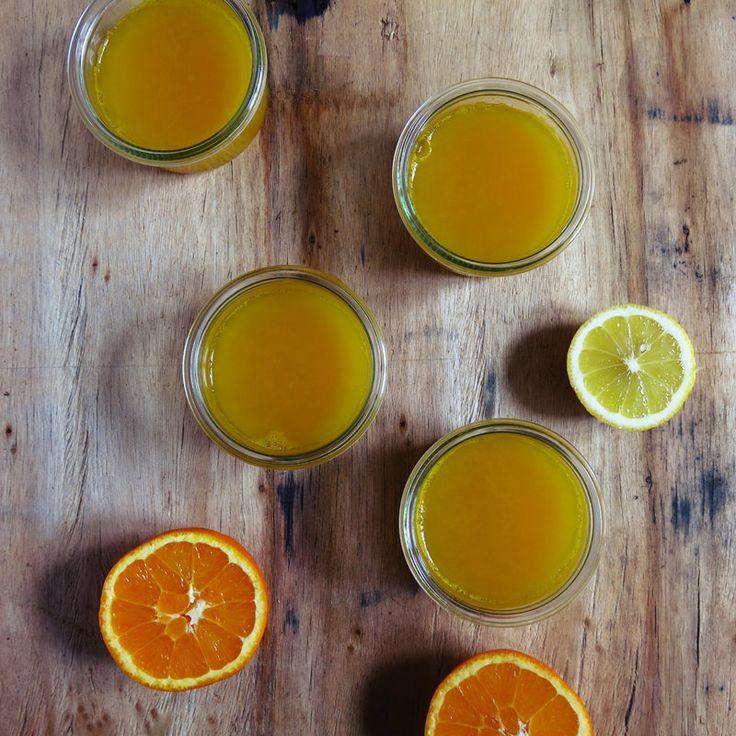 Petits pots de gelée de jus d'orange et de citron - Artichaut et cerise noire