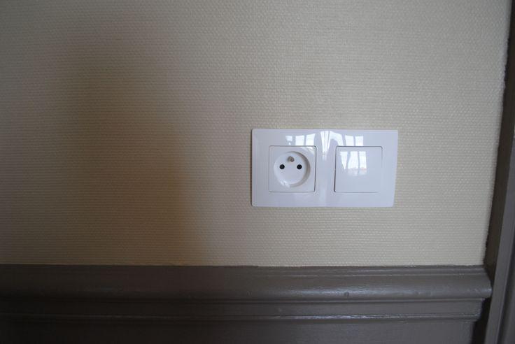 Petit Salon - prise électrique Legrand Niloe / Small Living Room - electric plug