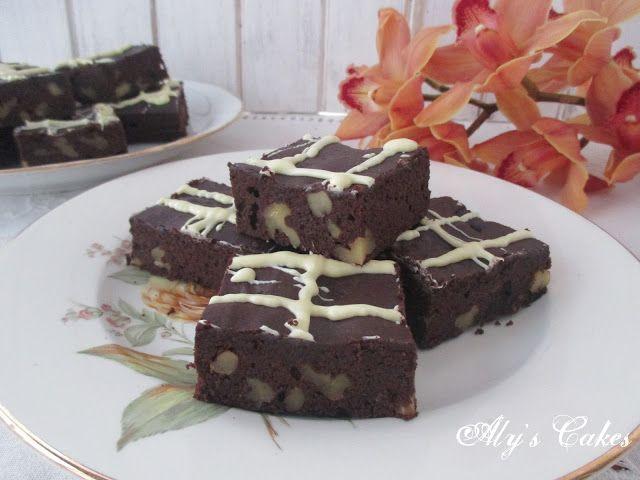 Aly's Cakes: BROWNIE DE CHOCOLATE Y ALGARROBA CON NUECES (Sin g...