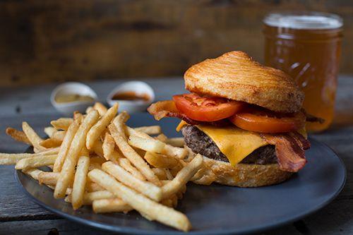 Starbucks Adds Burger To La Boulange Bakery Menu - Is Starbucks Going Into the Burger Business?