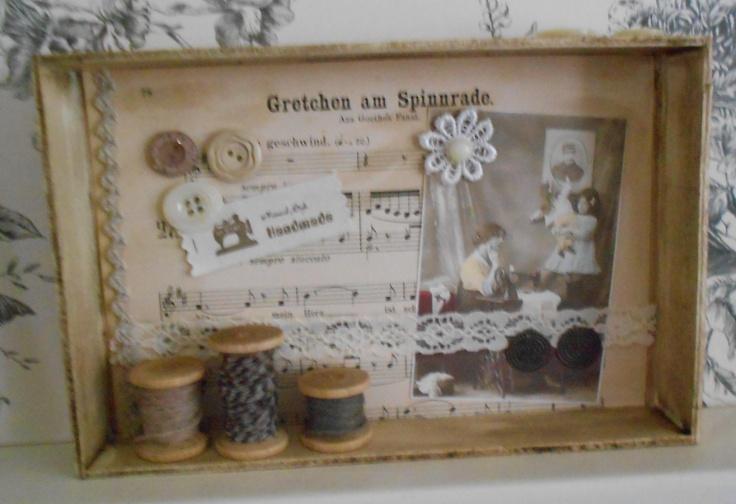 3D tafereel met klosjes, afbeeldingen, label en oud muziekpapier uit eigen shop www.saartjeenbetteco.nl