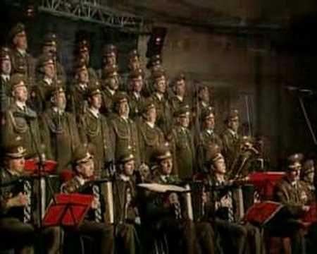 Russian Red Army Choir - Off We Go(Soldaty V Pohod)