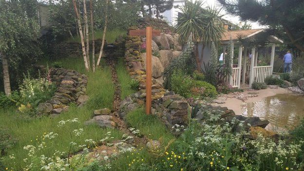Chelsea flower show 2014 - design by Alan titchmarsh