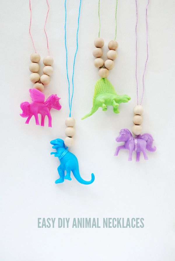Easy DIY Animal Necklaces on Hello Bee crafts for kids to make, craft ideas for kids
