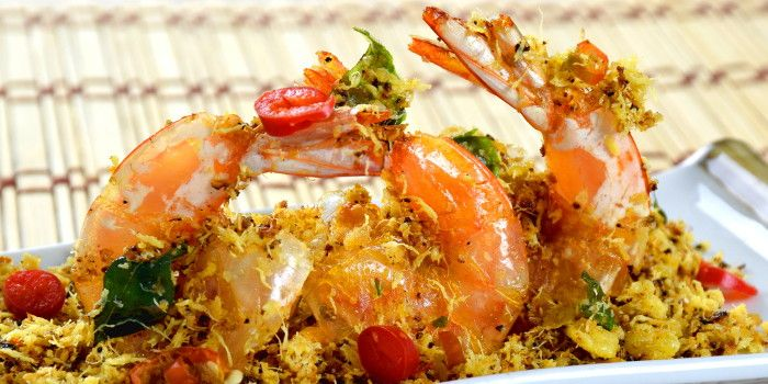 Butter Prawns With Oats And Egg Floss How To Make In 5 Steps Recipe Butter Prawn Prawn How To Cook Prawns