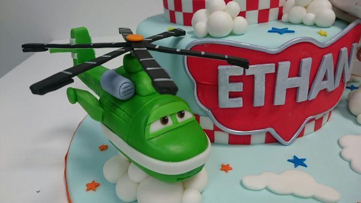 Windlifter planes charachter gumpaste cake.
