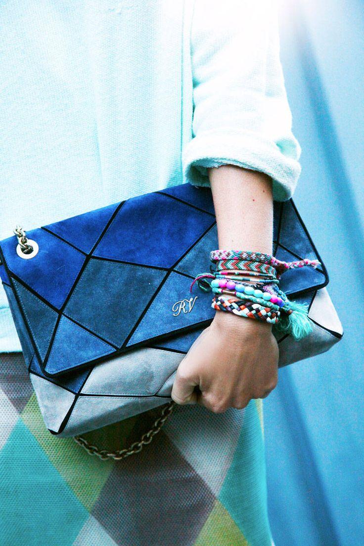 Paris Street Style Accessories via @ELLE Magazine (US) Magazine (US)