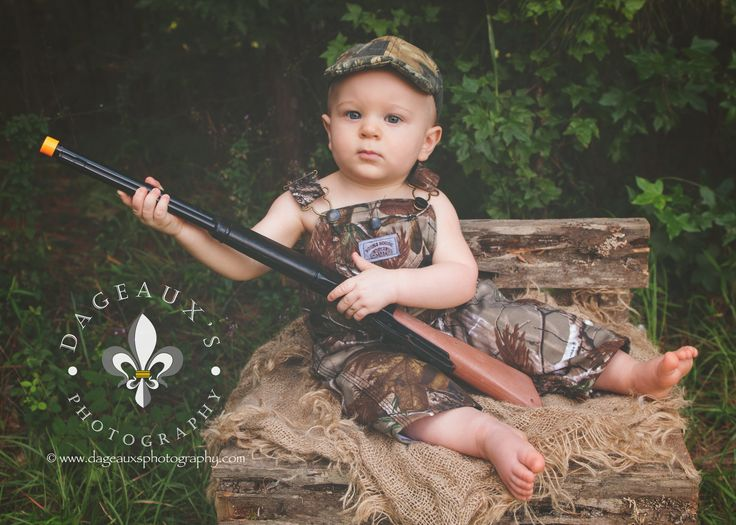 ©dageauxsphotography / duck hunting / toddler photography / toddler boy photography / outdoor photography / please feel free to share or pin; but please do not crop out logo, do not copy, print, or download —