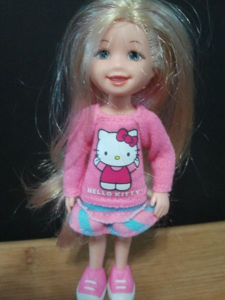 TY Lil Ones - Doll with Hello Kitty Shirt (4 inch): Ty Lil One Dolls, Celebrity Dolls