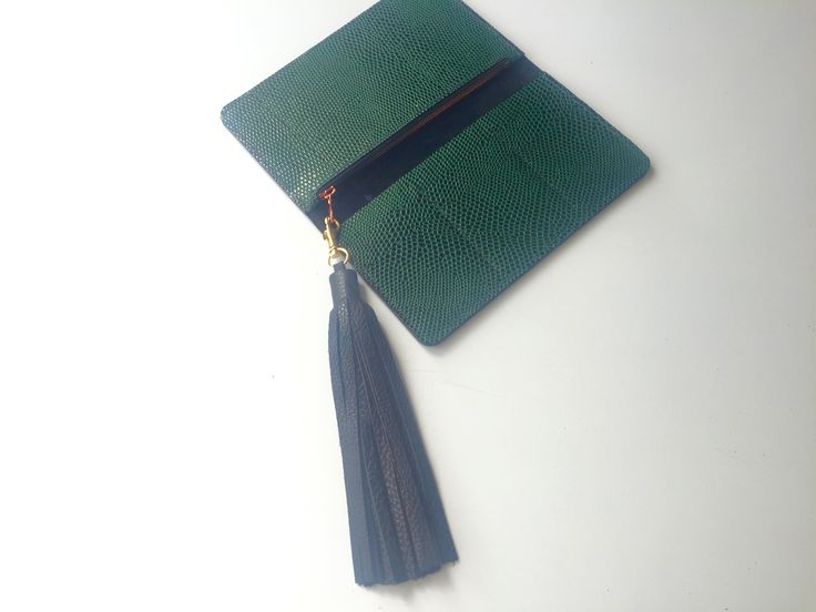 www.thejonesgirls.co.nz Forrest Green Cobbled Leather Wallet  Black Leather Tassel