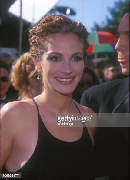 Julia Roberts At The 1999 Emmys RunwayRed Carpet Looks