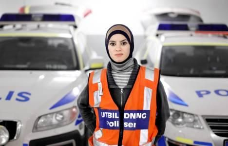 Donna Eljammal, a 26-year woman, has become Sweden's first police recruit in a hijab as she considers her traditional Muslim hijab as an asset rather than a hindrance for a future career.