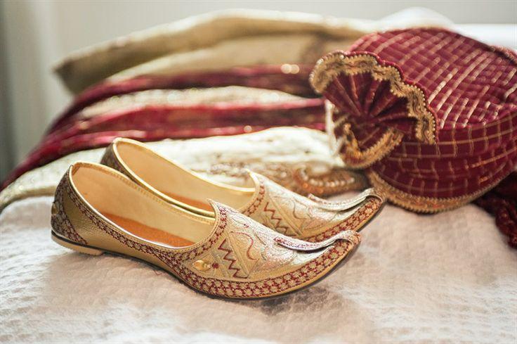 Indian Wedding Shoes for the Groom - Mojari Wedding turban for the groom: Safa