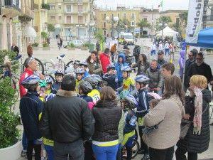 """http://www.bisceglieindiretta.it/2014/04/08/ciclismo-quattro-primi-posti-e-successo-di-squadra-per-i-giovanissimi-ludobike-a-modugno/#.U0P8Bvl_suc CICLISMO, QUATTRO PRIMI POSTI E SUCCESSO DI SQUADRA PER I GIOVANISSIMI LUDOBIKE A MODUGNO Clicca """"mi piace"""" sulla pagina di Bisceglie in diretta per restare sempre aggiornato/a su Bisceglie, 24 ore su 24! https://www.facebook.com/biscegliediretta?ref=hl"""