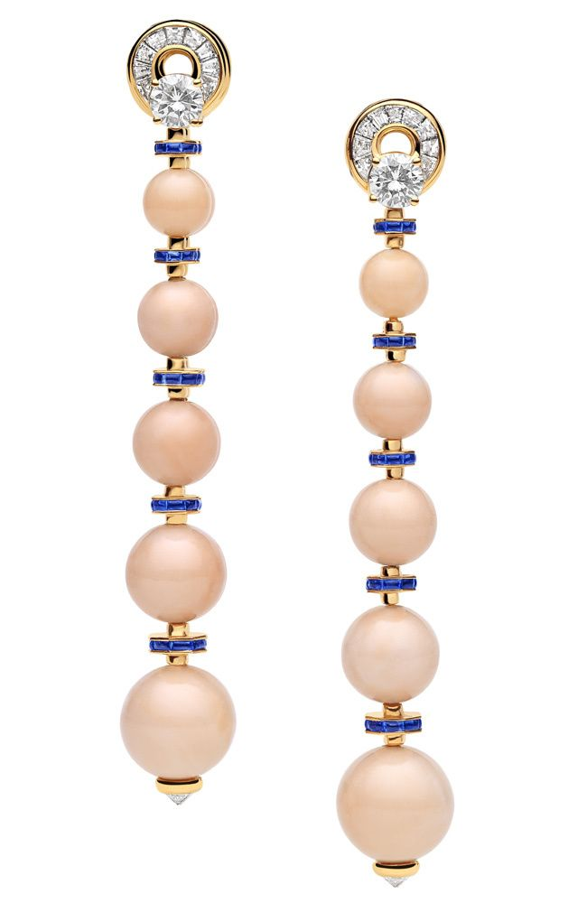 Bulgari - High jewelry earrings yellow gold with pink coral beads, sapphires and brilliant-cut diamonds. CORAL PIEL DE ANGEL.... ME ENCANTA...