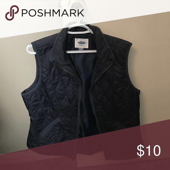 Old Navy vest Old Navy zip up vest in navy. 100% polyester. Has pockets. Doesn't puff too much. Worn once! Old Navy Jackets & Coats Vests